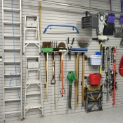 """The art of wall organization"" - Espace Garage Plus"